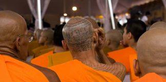 thaimaa taikatatuointi munkilla
