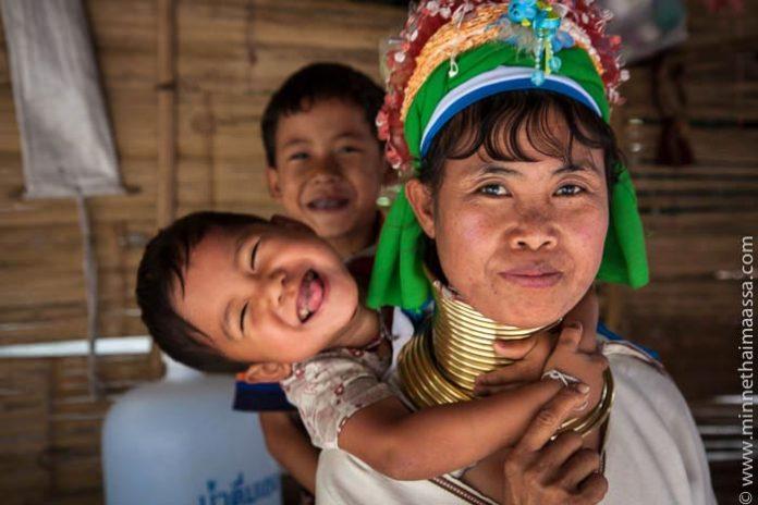Pitkäkaulaiset naiset Thaimaa
