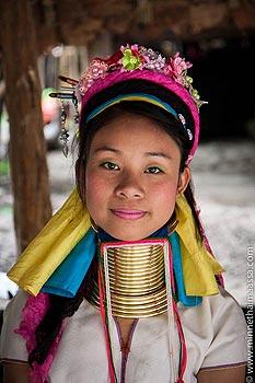 pitkäkaulainen nainen thaimaa
