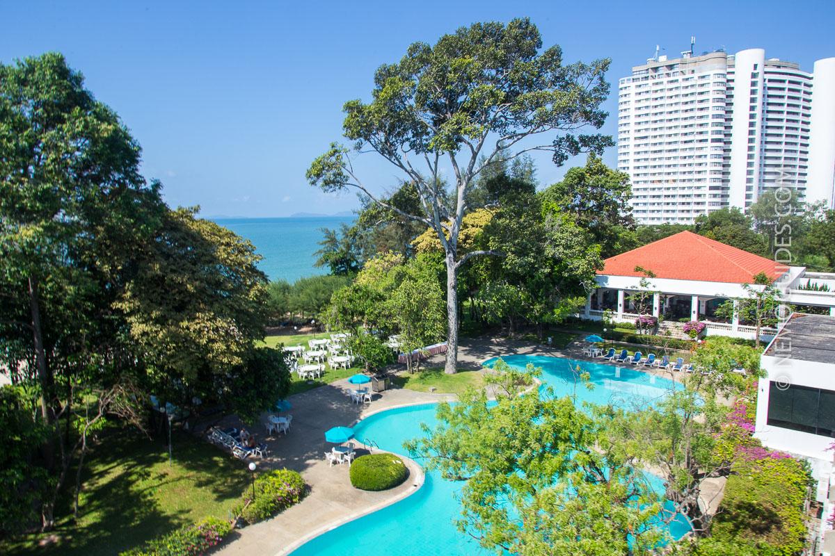 thaimaa rayong hotelli uima-allas
