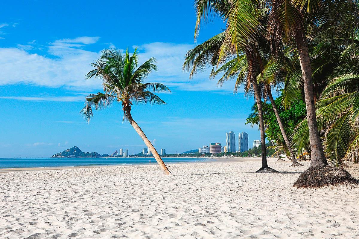 thaimaa hua hin autio hiekkaranta