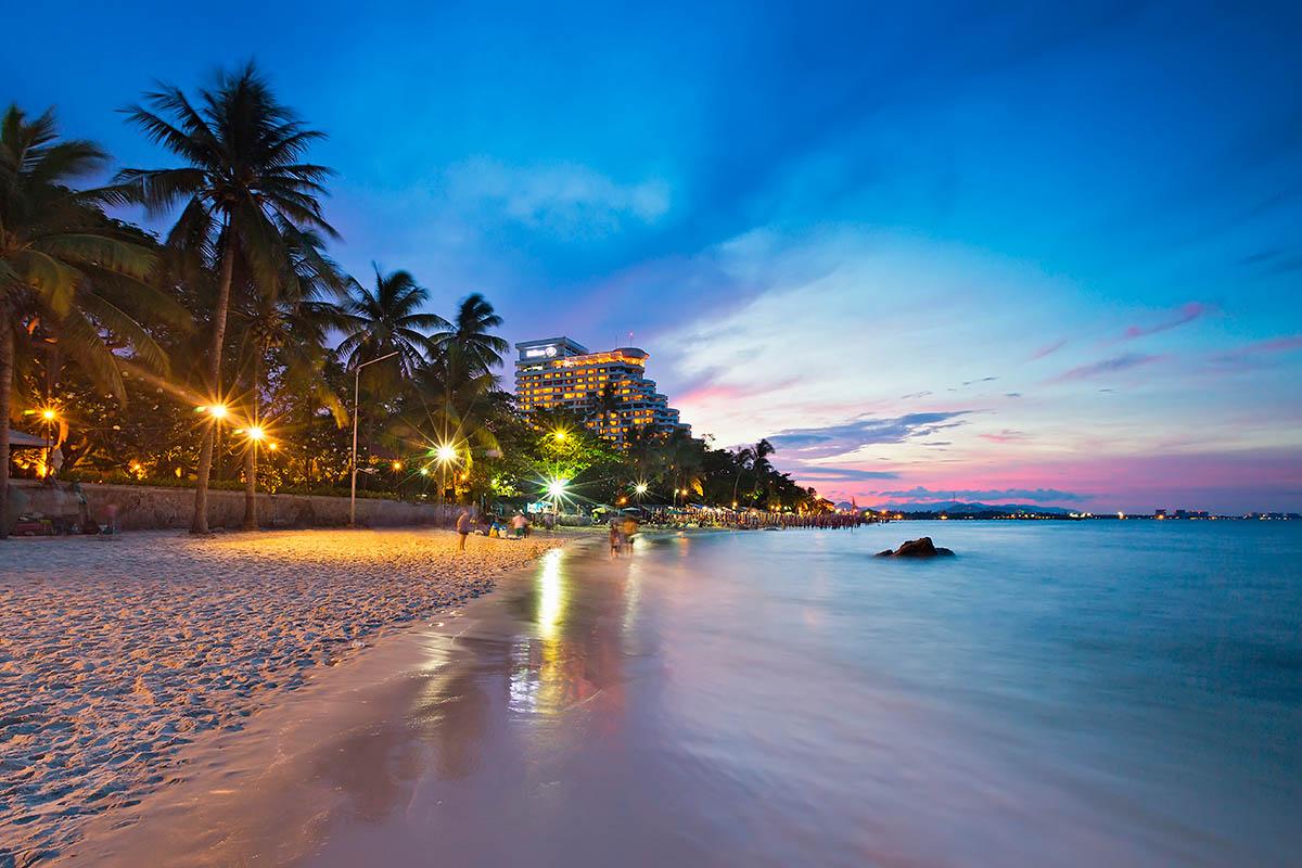 thaimaa hua hin ranta yöllä