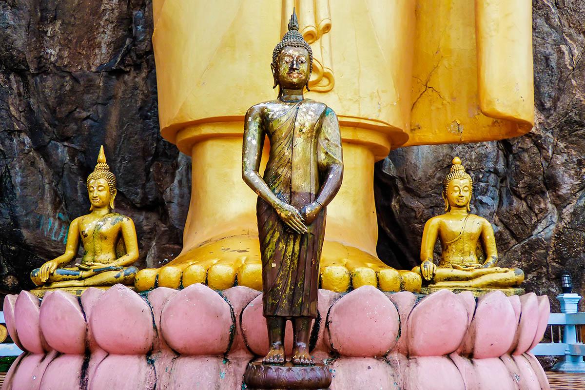 thaimaa buddhalainen patsas