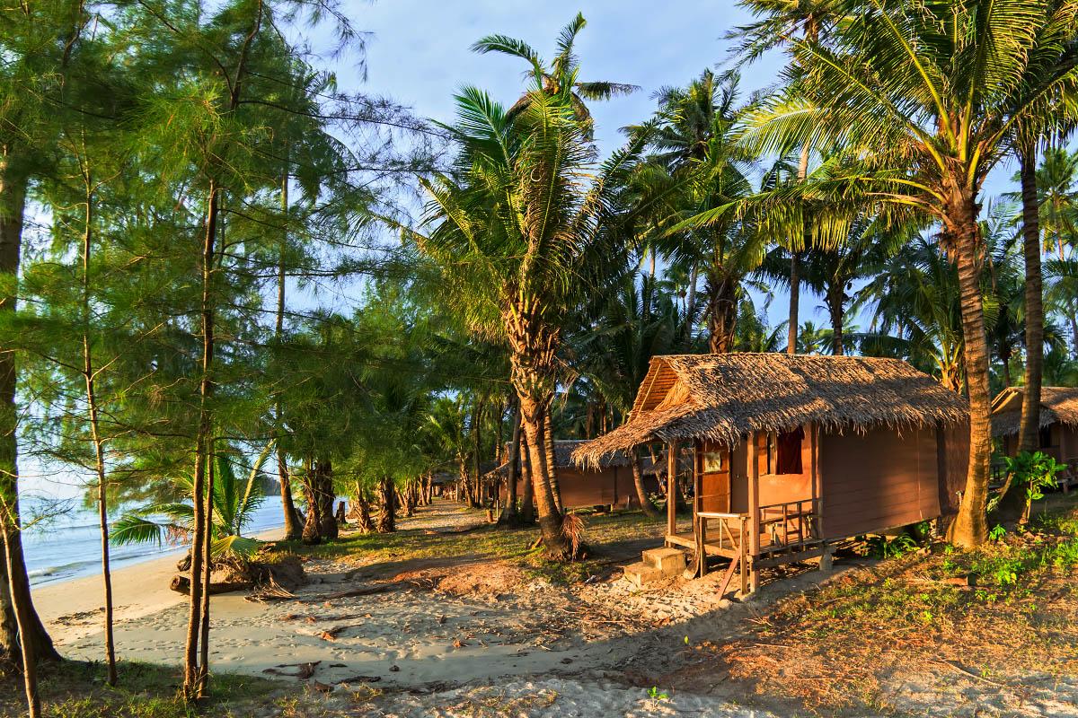 thaimaa koh chang bungalow mökki majoitus