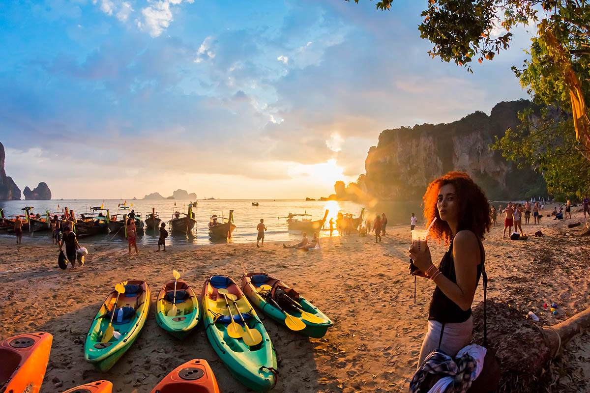 thaimaa krabi tonsai ranta auringonlasku
