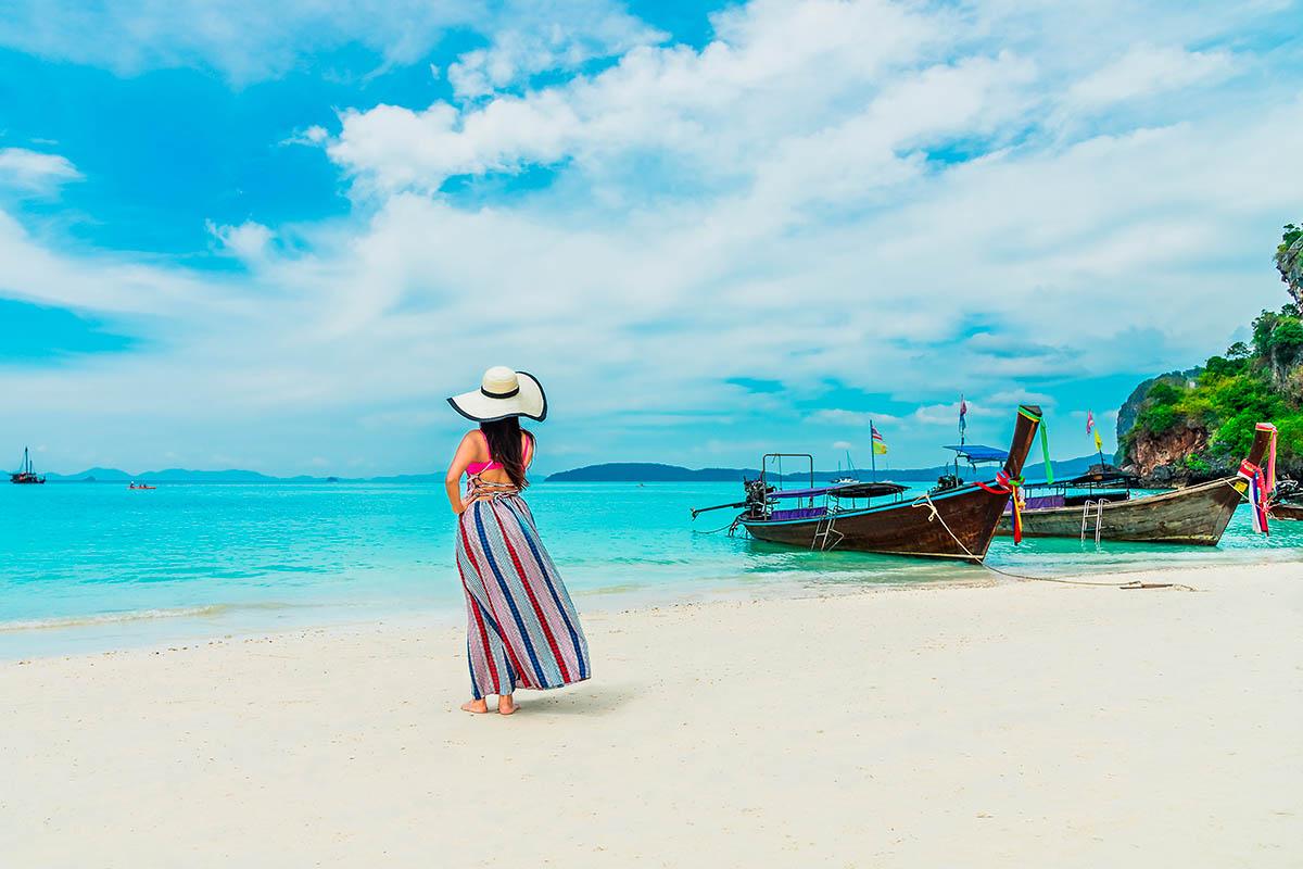 thaimaa krabi ranta nainen