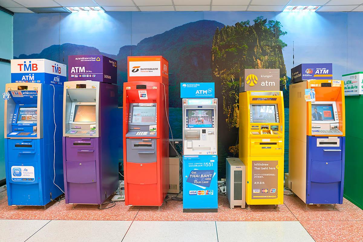 thaimaa pankkiautomaatti